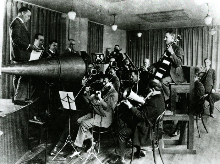 Acoustic recording session, history of phonograph, recording music industry